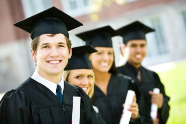 ORGULLO-DE-PERTENENCIA-stock-photo-graduation-row-of-proud-students-after-graduation-171259904